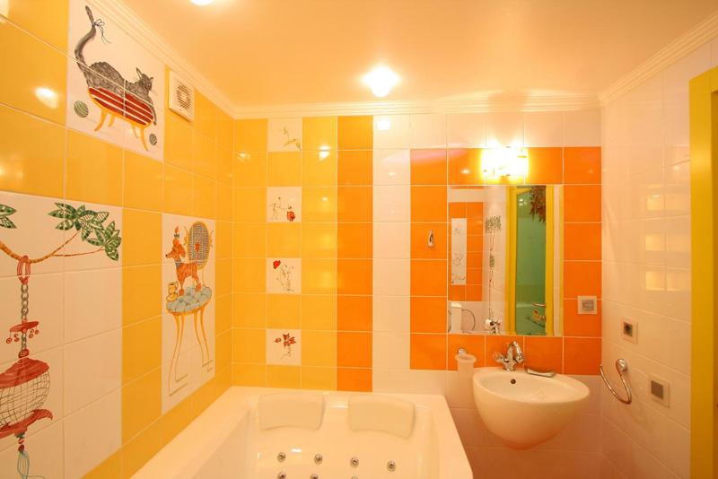 Ванная комната фото плитка оранжевая